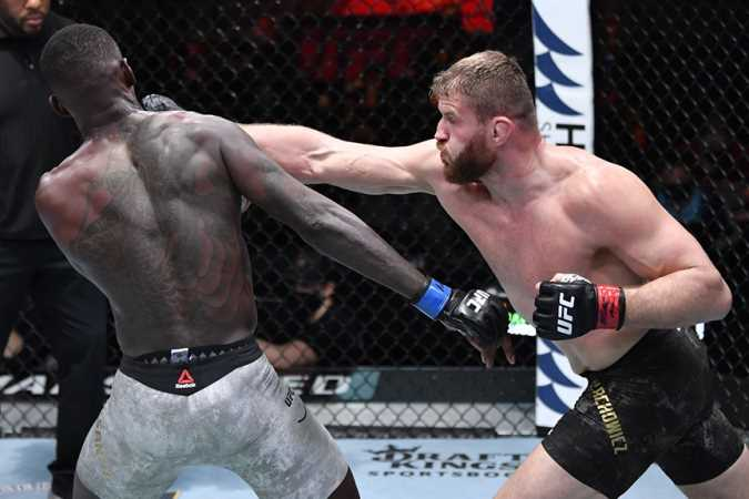 UFC Light Heavyweight Champion Jan Blachowicz Snaps Israel Adesanya's Undefeated Streak